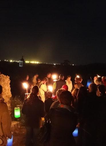 Groupe de visiteurs à Vouvray lors d'une visite nocturne