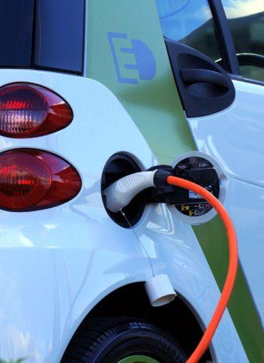 Voiture électrique à une bonne recharge